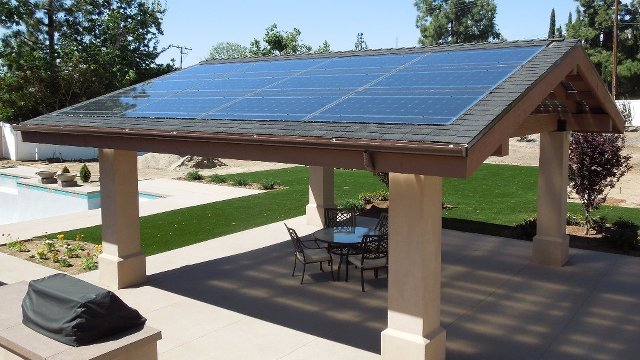 Exceptionnel Solar Panels Do Double Duty As Patio Roof
