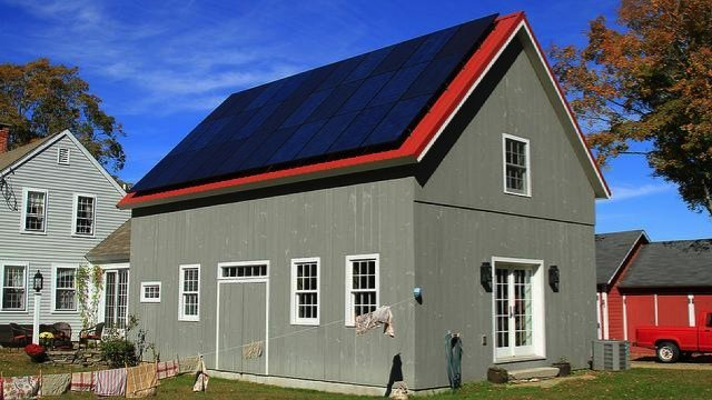 Long and short term benefits of solar power at home