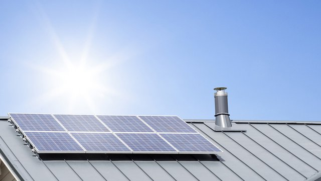 5 considerations for installing metal roofs to support solar panel investment