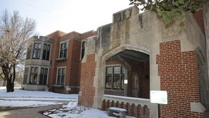 LG HVAC solution maintains architectural integrity of Iowa school