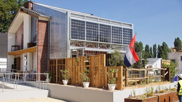Solar panels convert 60s terraced house into net zero model