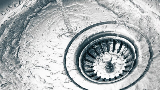 4 Plumbing Tips That Will Help You Conserve More Water at Home
