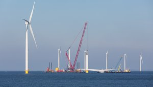 First U.S. offshore wind project goes online, more offshore projects move forward