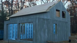 How did this concrete panel home cut energy bills by 30%?